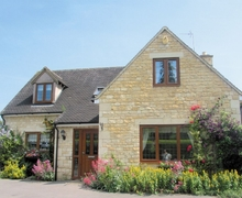 Snaptrip - Last minute cottages - Stunning Cheltenham Cottage S16129 -