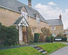 Snaptrip - Last minute cottages - Excellent Chipping Campden Cottage S16139 -