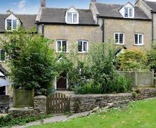 Snaptrip - Last minute cottages - Tasteful Chipping Campden Cottage S70798 -