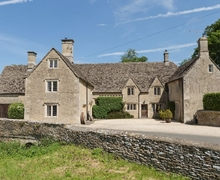 Snaptrip - Last minute cottages - Inviting Cirencester Cottage S16165 -