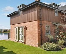 Snaptrip - Last minute cottages - Cosy Cirencester Cottage S16183 -
