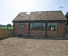 Snaptrip - Last minute cottages - Captivating Gloucester Cottage S16232 -