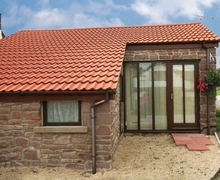 Snaptrip - Last minute cottages - Gorgeous Lydney Cottage S16244 -
