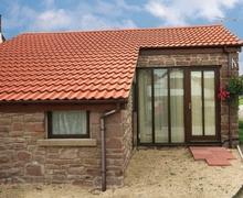 Snaptrip - Last minute cottages - Gorgeous Lydney Cottage S16244 -