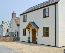 Snaptrip - Last minute cottages - Inviting Lydney Cottage S16265 -