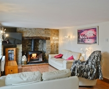 Snaptrip - Last minute cottages - Attractive Lydney Cottage S26033 -