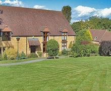 Snaptrip - Last minute cottages - Wonderful Moreton In Marsh Cottage S16266 -
