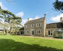 Snaptrip - Last minute cottages - Wonderful Stroud Cottage S78473 -