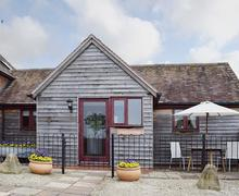 Snaptrip - Last minute cottages - Splendid Evesham Cottage S38013 -