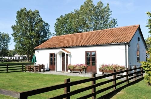 Snaptrip - Last minute cottages - Splendid Pickering Cottage S15313 -