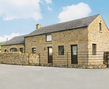 Snaptrip - Holiday cottages - Exquisite Hope Valley Cottage S16600 -