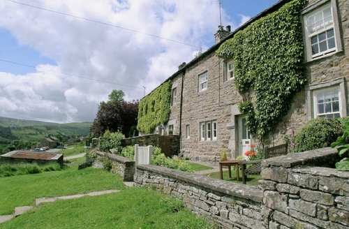 Snaptrip - Last minute cottages - Inviting Reeth Cottage S15363 -