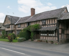 Snaptrip - Holiday cottages - Charming Leominster Cottage S16973 -