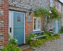 Snaptrip - Last minute cottages - Charming Fakenham Cottage S17215 -