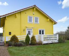 Snaptrip - Last minute cottages - Splendid Great Yarmouth Lodge S77564 -