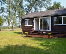 Snaptrip - Last minute cottages - Inviting Horning Cottage S43150 -
