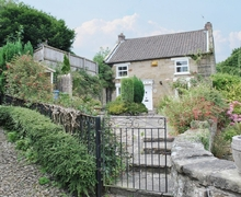 Snaptrip - Last minute cottages - Wonderful Scarborough Cottage S15454 -