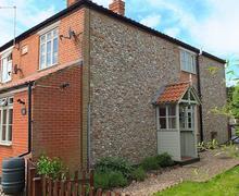 Snaptrip - Last minute cottages - Gorgeous Melton Constable Cottage S17515 -