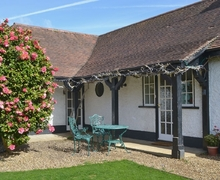 Snaptrip - Last minute cottages - Wonderful Wroxham Cottage S17761 -
