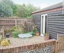 Snaptrip - Last minute cottages - Luxury Lowestoft Cottage S17954 -