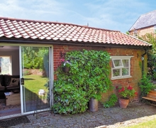 Snaptrip - Last minute cottages - Cosy Stowmarket Cottage S18033 -