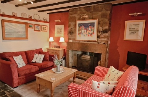 Snaptrip - Last minute cottages - Delightful Staithes Cottage S15520 -