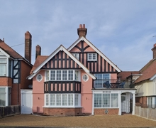 Snaptrip - Last minute cottages - Beautiful Colchester Cottage S18131 -