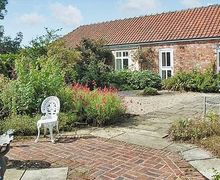 Snaptrip - Last minute cottages - Tasteful Thirsk Cottage S15530 -