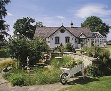 Snaptrip - Last minute cottages - Adorable Thirsk Cottage S15535 -
