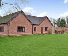 Snaptrip - Last minute cottages - Excellent Nantwich Lodge S43855 -