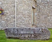 Snaptrip - Last minute cottages - Tasteful Carnforth Cottage S18200 -