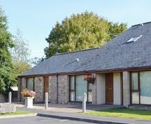 Snaptrip - Last minute cottages - Excellent Carnforth Cottage S18203 -