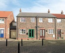 Snaptrip - Last minute cottages - Delightful Whitby Cottage S15560 -