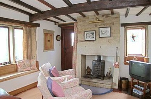 Snaptrip - Last minute cottages - Adorable Holmfirth Cottage S15663 -