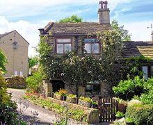 Snaptrip - Last minute cottages - Tasteful Haworth Cottage S15671 -