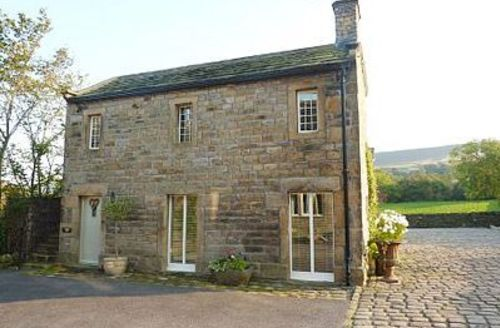 Snaptrip - Last minute cottages - Quaint Haworth Cottage S15675 -