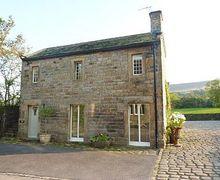 Snaptrip - Last minute cottages - Quaint Haworth Cottage S15675 -