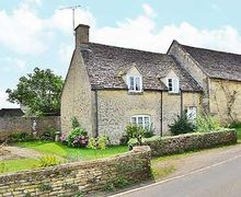 Snaptrip - Holiday cottages - Exquisite Chipping Norton Cottage S15678 -