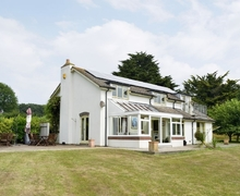 Snaptrip - Holiday cottages - Cosy Brixham Cottage S19258 -