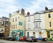 Snaptrip - Last minute cottages - Stunning Dartmouth Apartment S19299 -