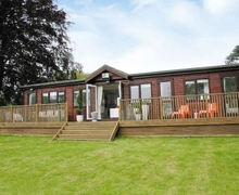 Snaptrip - Last minute cottages - Stunning Oxford Lodge S15714 -