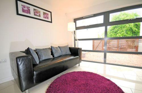 Snaptrip - Last minute cottages - Attractive Paignton Rental S1347 - Living area