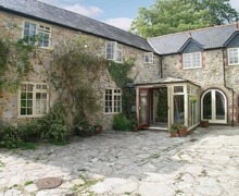 Snaptrip - Last minute cottages - Tasteful Lyme Regis Cottage S19814 -