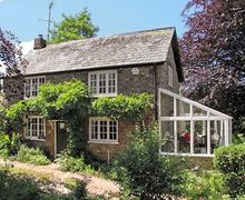 Snaptrip - Last minute cottages - Cosy Lyme Regis Cottage S19821 -