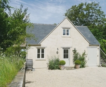 Snaptrip - Last minute cottages - Luxury Bath Cottage S20028 -