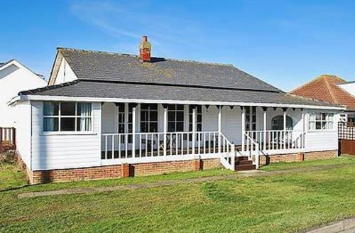 Snaptrip - Last minute cottages - Lovely Mablethorpe Cottage S15822 -