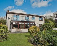 Snaptrip - Last minute cottages - Tasteful Bude Cottage S20470 -