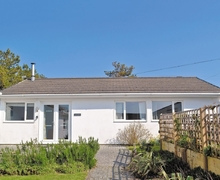 Snaptrip - Last minute cottages - Tasteful Padstow Cottage S20675 -
