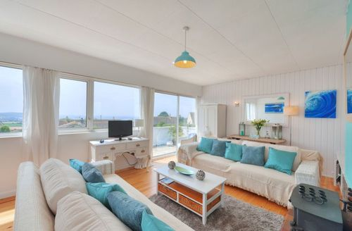 Snaptrip - Last minute cottages - Splendid Kingsbridge Rental S1356 - Living area