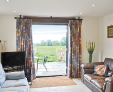 Snaptrip - Last minute cottages - Superb Alcester Cottage S15915 -